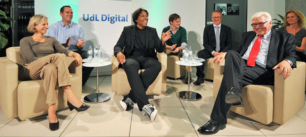 Frank-Walter Steinmeier, Christiane Hoffmann & Cherno Jobatey in UdLDigital Talkshow