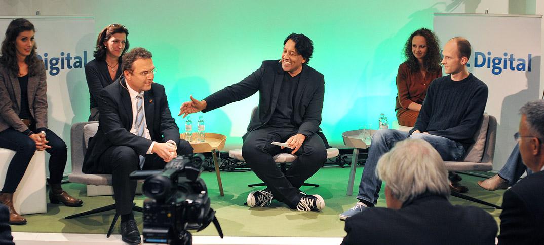 Hans-Peter Friedrich, Florian Holzhauer & Cherno Jobatey in UdL Digital Talkshow