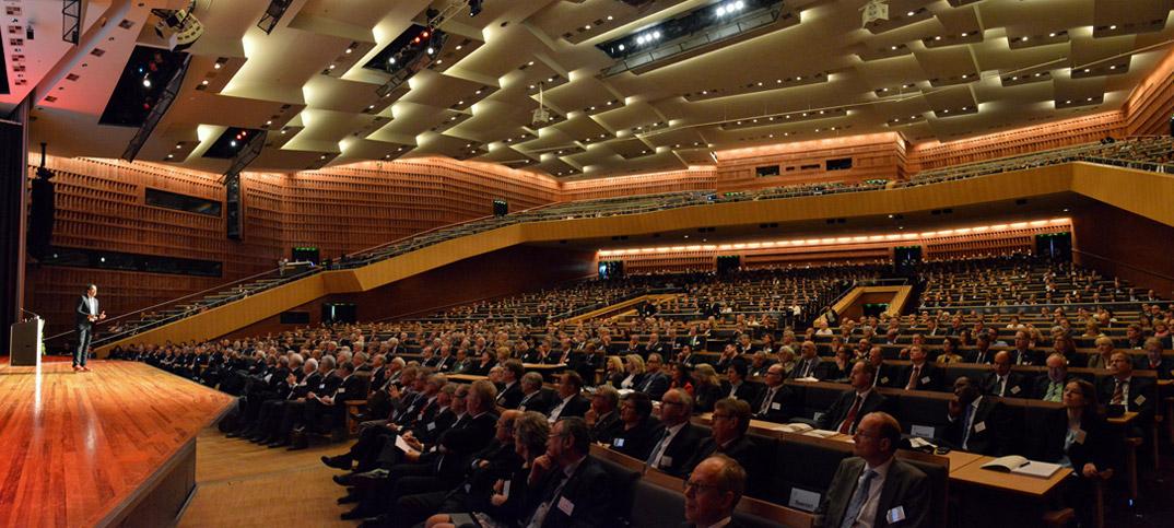 Referent Cherno Jobatey Vortrag im CCH Hamburg