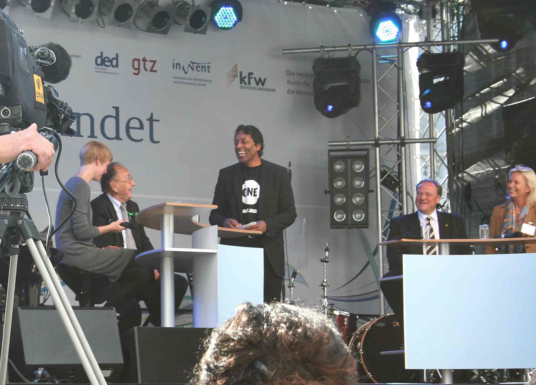 ONE.org Marie Lessing, Hans-Dietrich Genscher, Cherno Jobatey, Dirk Niebel, Sabine Christiansen