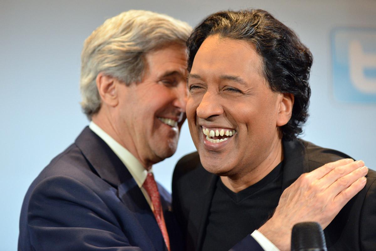 John Kerry & Cherno Jobatey beim Facebook Talk