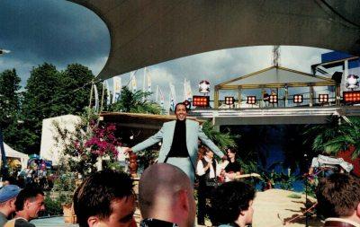 ARD-Sommergarten: Cherno Jobatey moderiert auf der IFA in Berlin