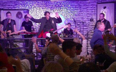 Cherno Jobatey & Groove Gangster GmbH Hard Rock Cafe