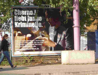 Cherno Jobatey liebt junge Kriminelle Plakatkampagne des BBE